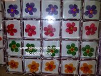 souvenir bros dahlia mini, souvenir pernikahan, Souvenir pernikahan murah,  souvenir bros