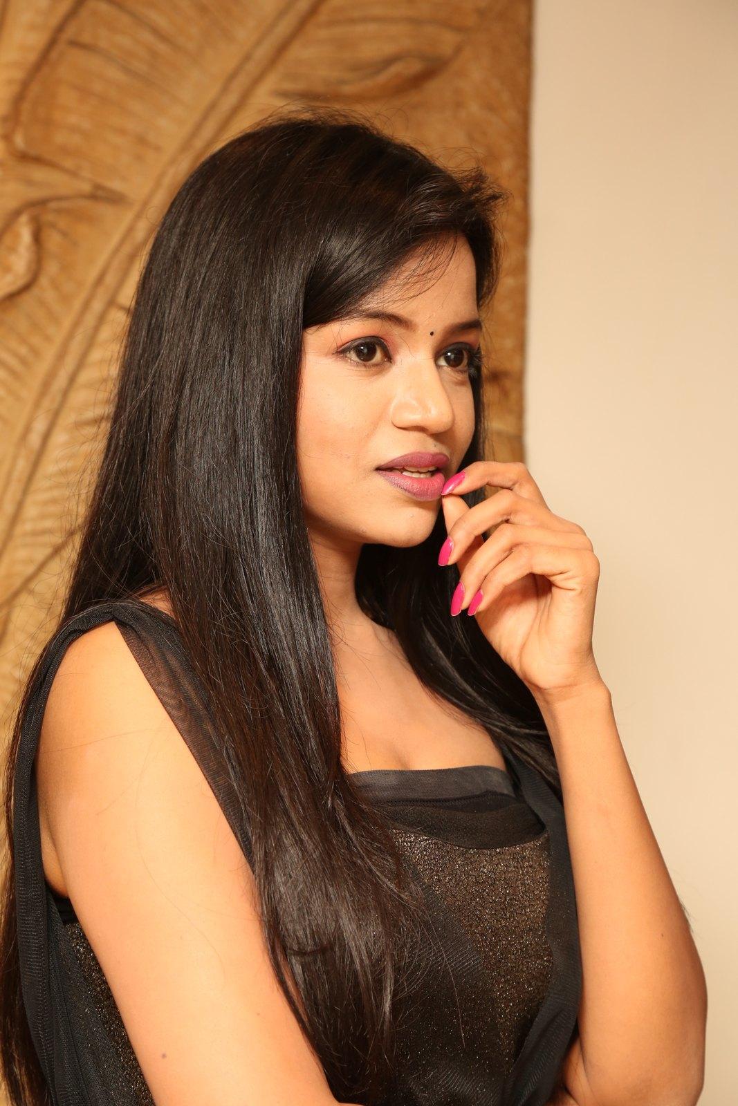Bhavya sri New glam photo shoot-HQ-Photo-19