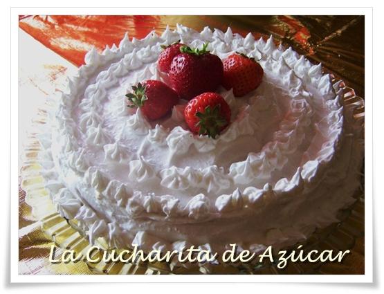 La Cucharita De Azucar Torta Tres Leche Decorada Y Rellena Con Fresas