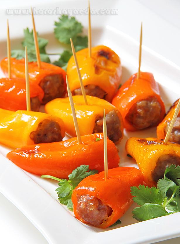Мини перцы фаршированные итальянскими колбасками