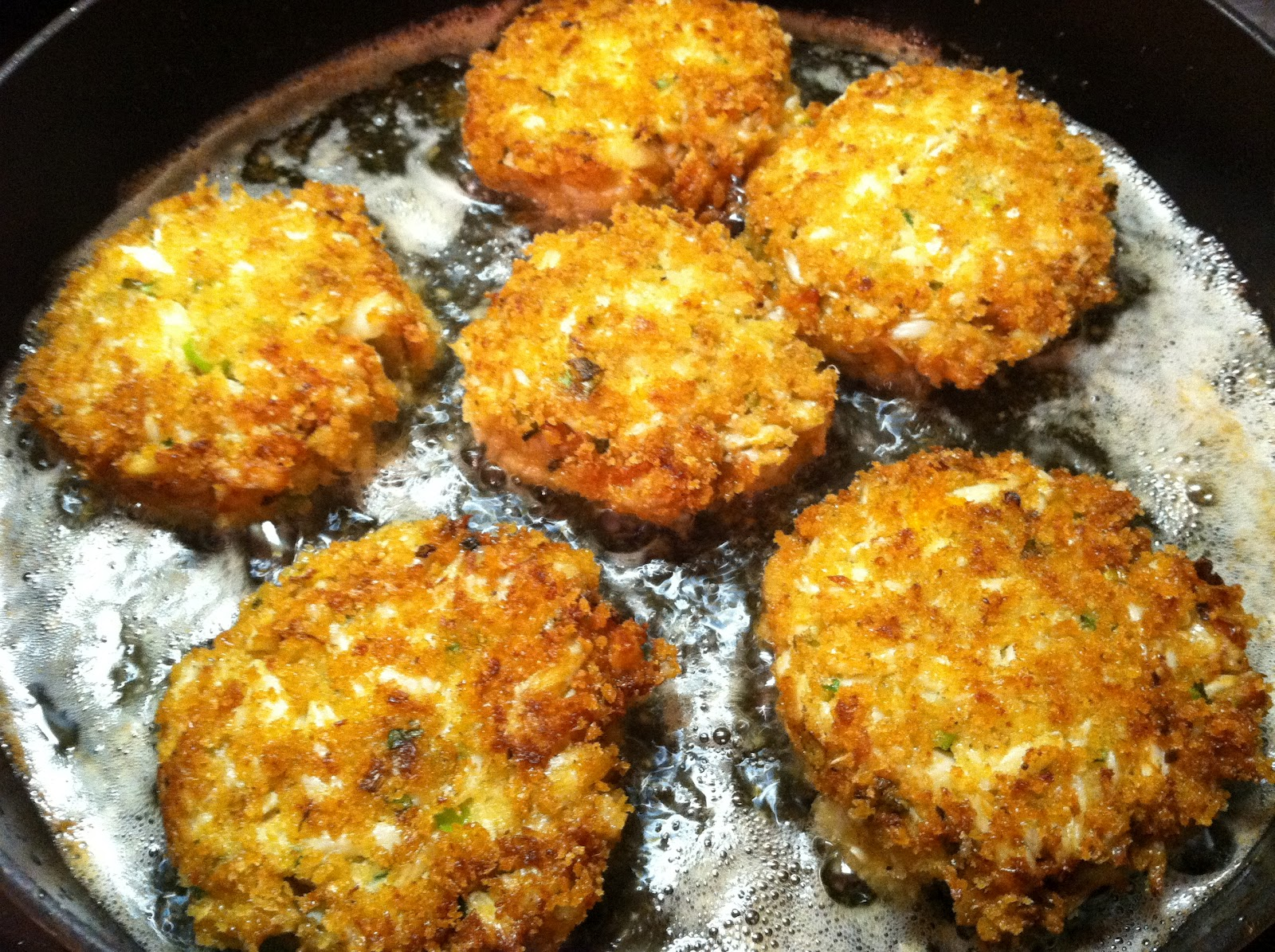 Little Magnolia Kitchen: Maryland Crab Cakes