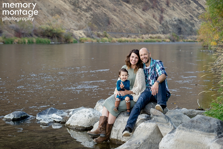 Yakima River Canyon Family Portrait Session, Yakima Photography, Yakima Family Photography, Yakima Photographers, family of three posing, Memory Montage Photography, www.memorymp.com