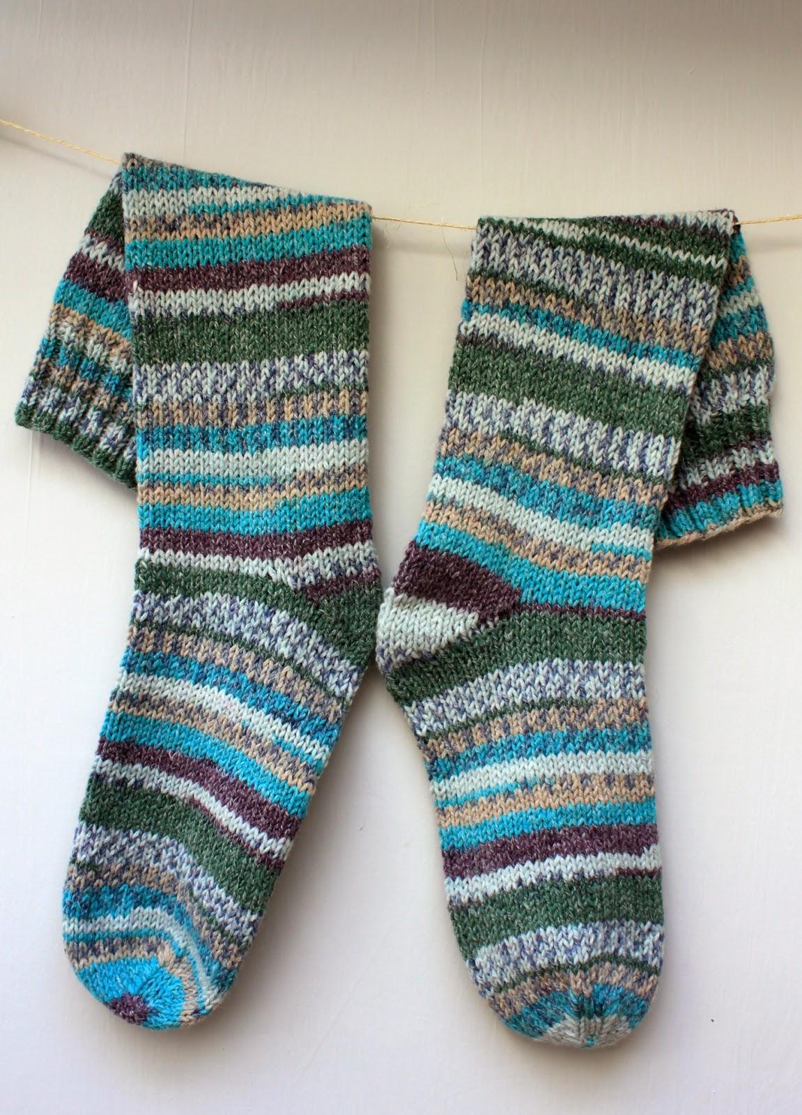 Knitting Pattern For Dk Socks : Hand Knitted Things: Sirdar Crofter DK Socks on Straight Needles