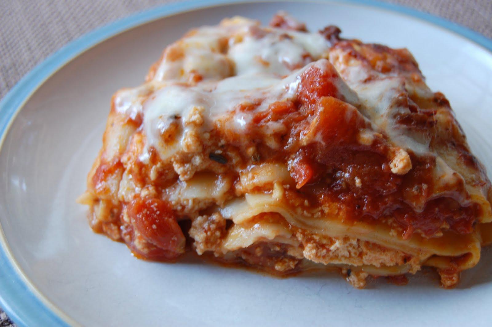 Dinner with Danielle: Crock Pot Lasagna {9 WW+ Dinner}