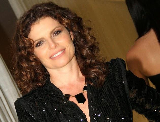 famosas-brasileiras-cabelos-cacheados-naturais-debora-bloch