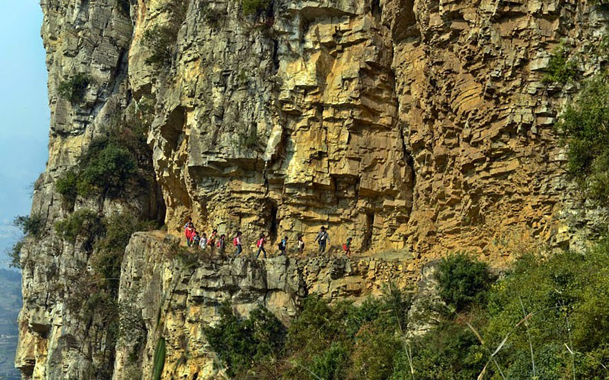 20 Of The Most Dangerous And Unusual Journeys To School In The World