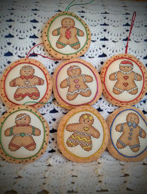 имбирные пряники, пряничные человечки, Cross Stitch Crazy, игрушки на елку, елочные игрушки
