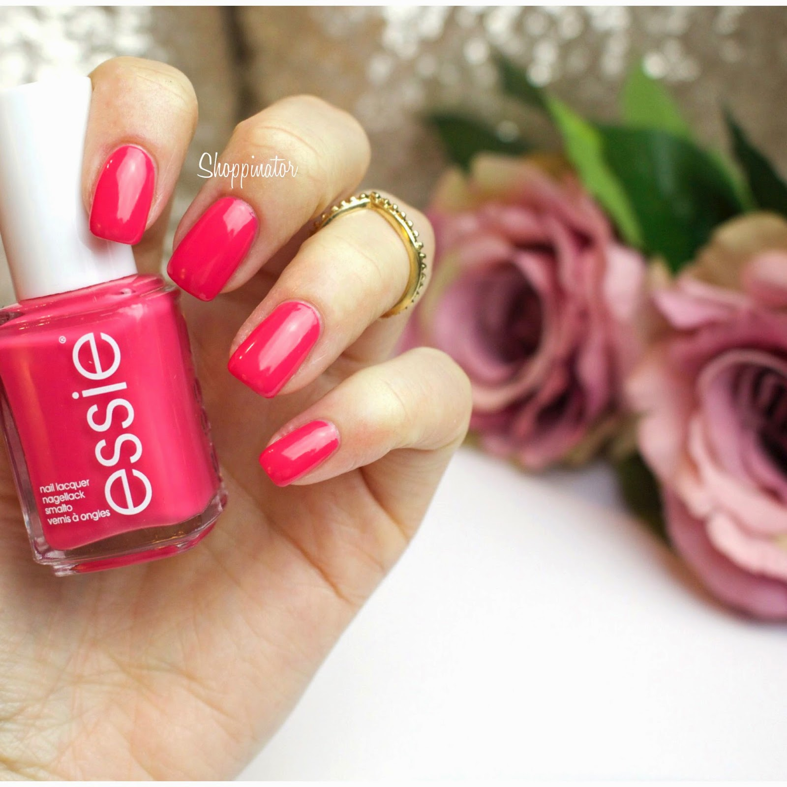 Essie-Status-Symbol-Swatch-Shoppinator-Pink-Standardsortiment-Verlässt-das