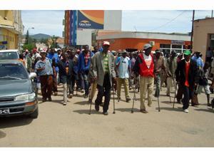 Angola: DEFICIENTES QUEIXAM-SE DE DISCRIMINAÇÃO