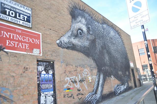 Shoreditch Chance Lane Giant Rat grafitti Brethnal Green Road
