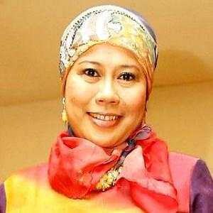 Biodata Artis Dewi Yull