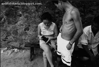Kisah Sedih Kehidupan Seorang Pelacur Kecil di China