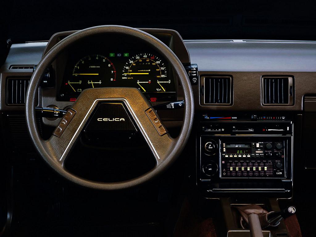Toyota Celica, A60, JDM, tuning, youngtimer, klasyk, japoński sportowy samochód, coupe, zdjęcia, wnętrze, interior, 日本車, チューニングカー, スポーツカー, トヨタ