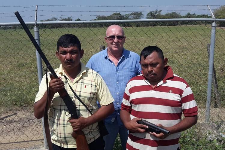 Los terratenientes  se enfrentan  al  gobierno