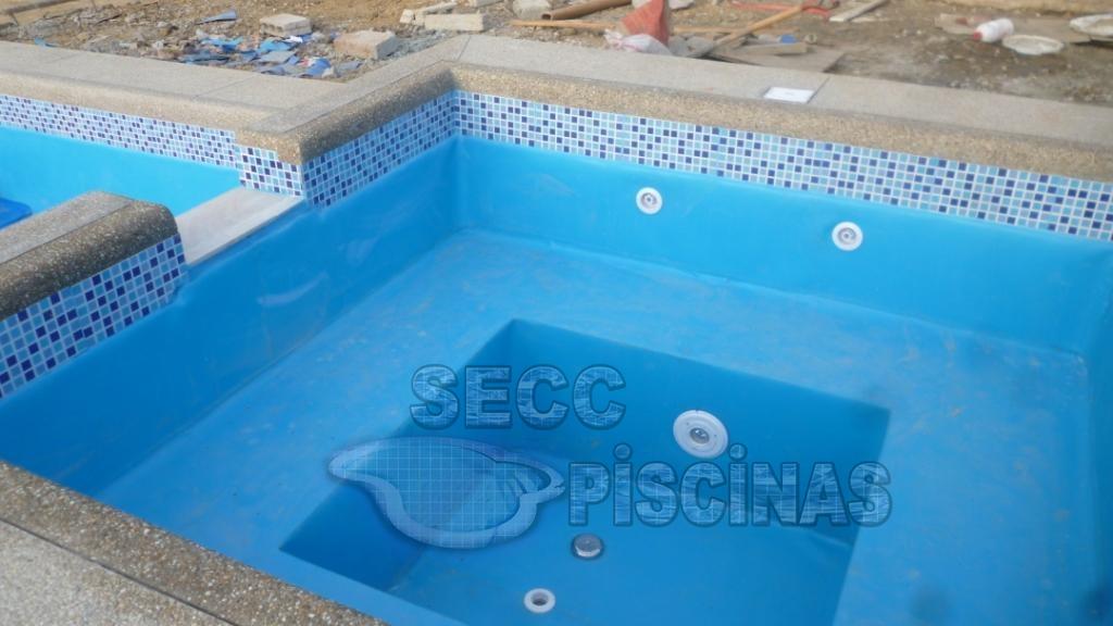 Secc piscinas piscinas construidas en cemento con for Construccion de piscinas en ecuador