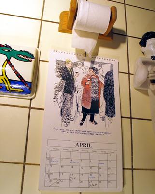 Er hangen verjaardagskalenders op de plee