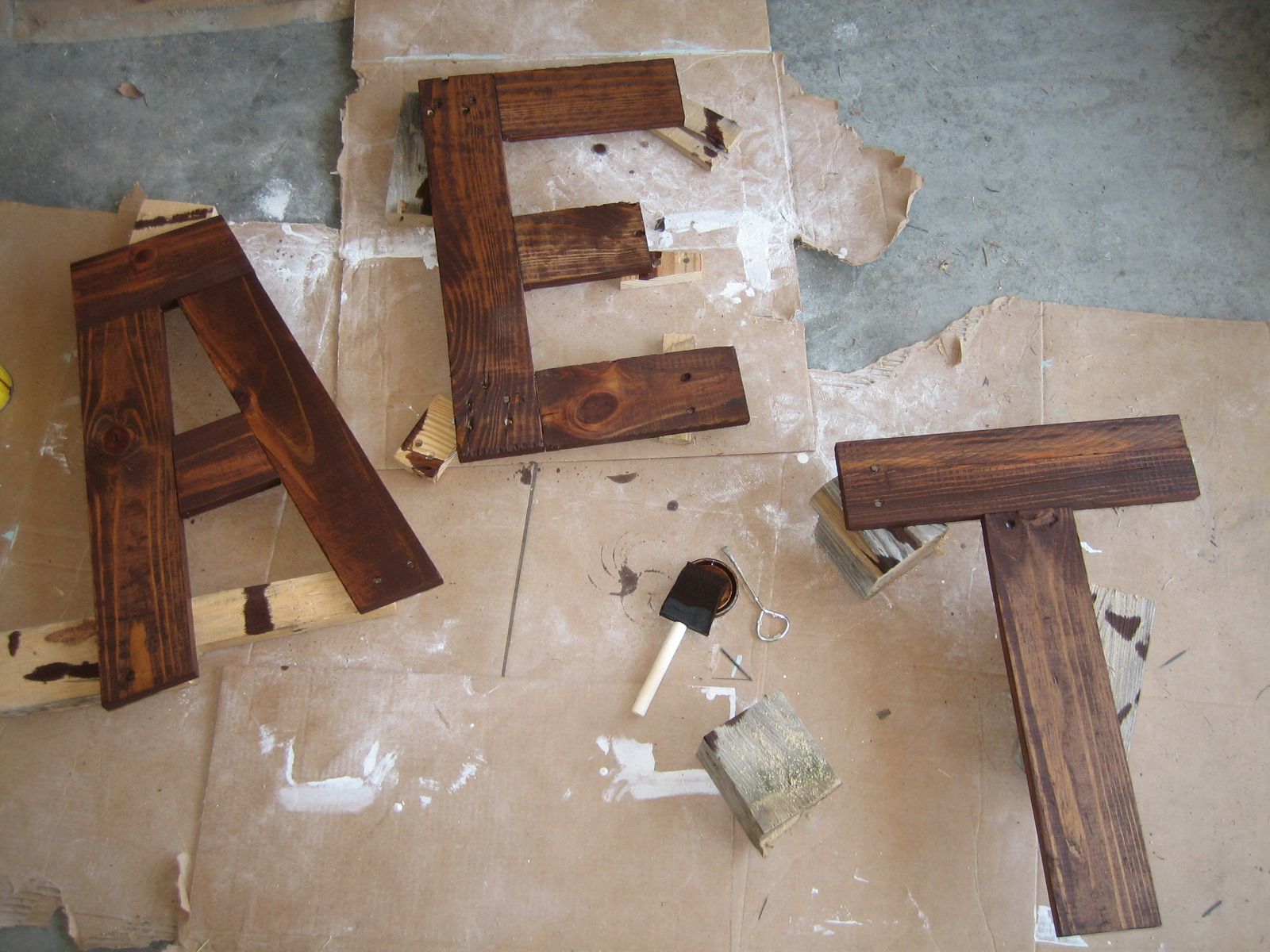 Diy eat sign from pallets the turquoise home for Homemade wall letters
