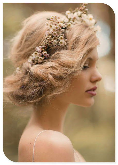 Flowery Hairdo with Messy Finish