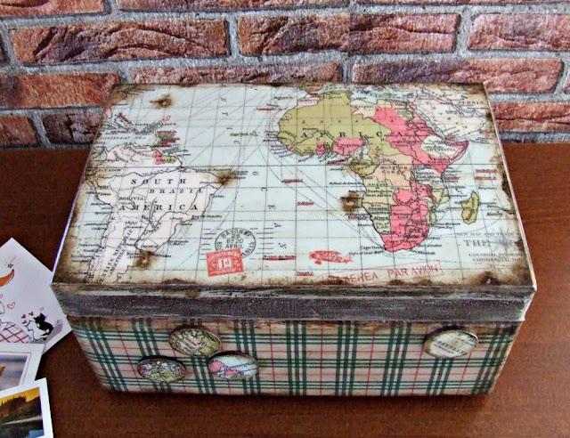 pudełko decoupage na pamiątki z podróży. Decoupage retro vintage.