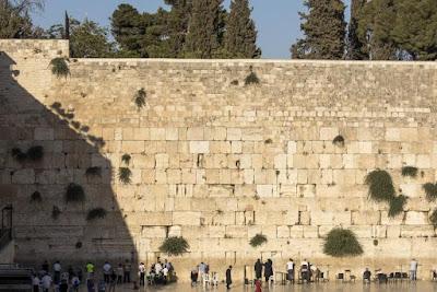 Ministros pretendem reduzir os custos de férias em Israel