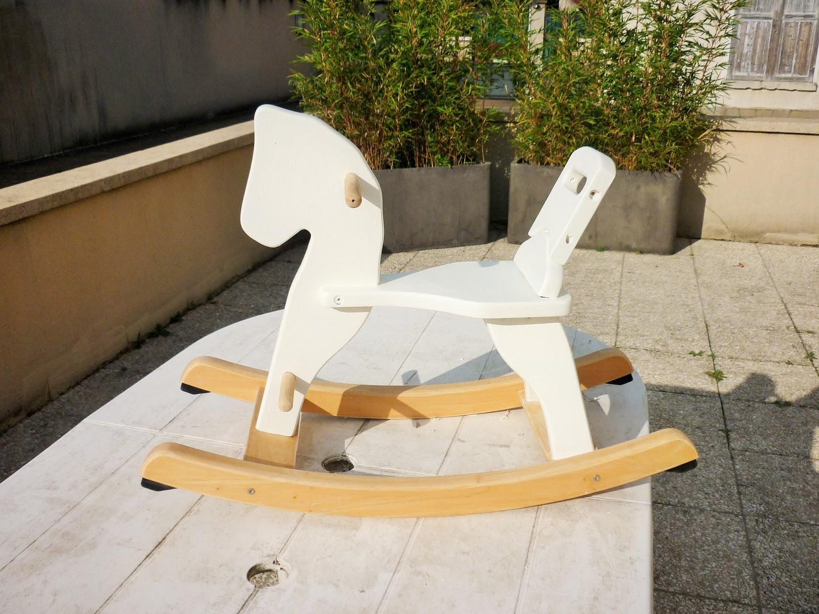 Globeshoppeuse diy chiner et restaurer un cheval bascule - Cheval a bascule en bois blanc ...