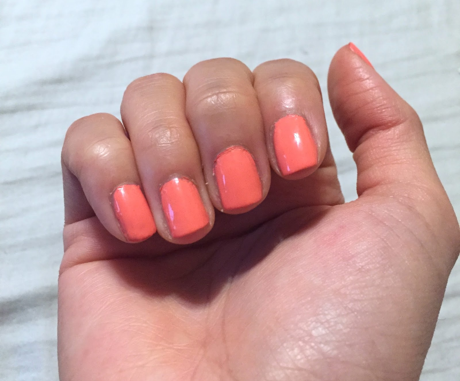 Do it yourself essie nail kit tiffany xoxo the essie gel setter is good but i dont know if i would repurchase it chipped after 6 days and is nowhere as near long lasting as doing gel nails in a solutioingenieria Gallery