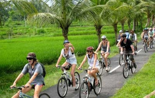 bali, cycling, Eat pray love, global warming, hindu temple, Kintamani, outdoor sports, Pura, Pura Saraswati, Ubud, village,