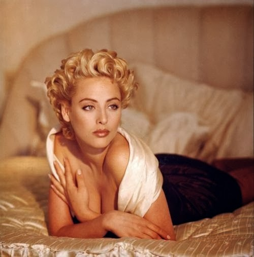 COMPARATIVA DE ICONOS: SHARON STONE Y VIRGINIA MADSEN