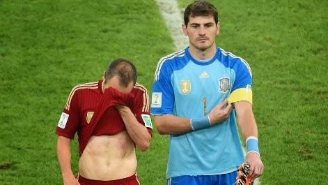 Iniesta y Kasillas tristes