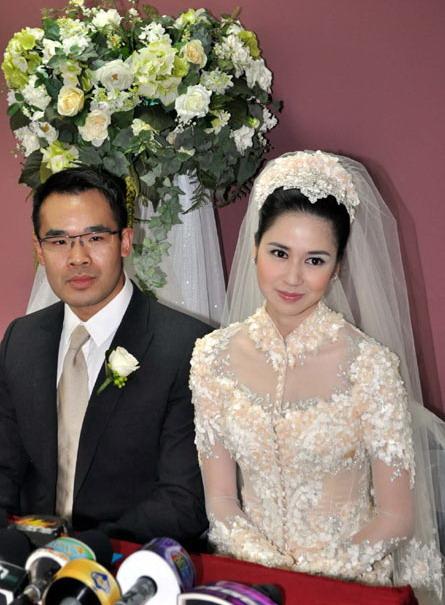 Berikut Foto Pernikahan Laura Basuki :