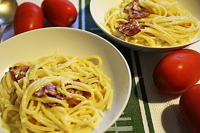 Спагетти карбонара рецепт пармезан гранд подано пекорино романо козий сыр