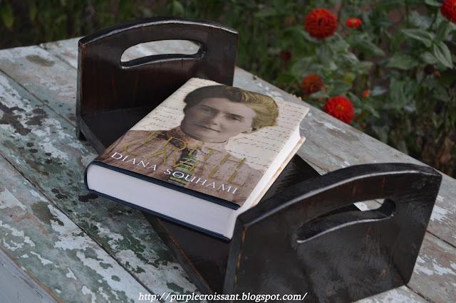 поднос, книга
