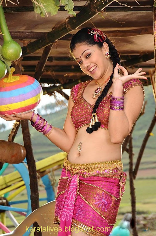 South Tabasee Showing Her Sexy White Thighs Spicy Navel and Deep Cleavage With Manju Manoj in Jhummandinadham telugu movieAmazing Photographs sexy stills