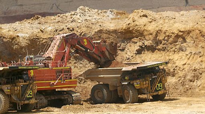 Minera construye reservorio de agua para Puno