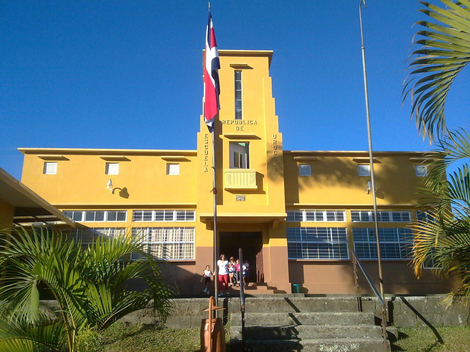 Historia de Escuela República de Uruguay