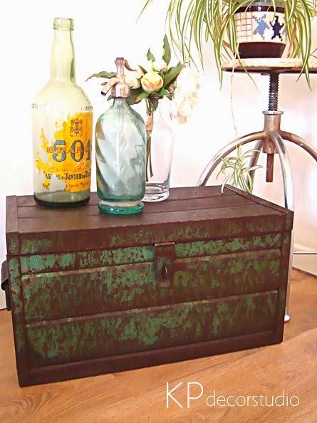 Cajas de metal industriales, objetos y artículos para decoración