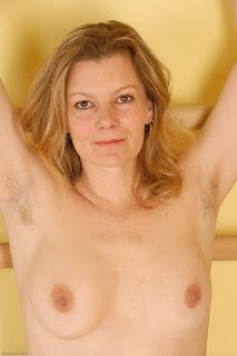 赤裸的黑发 - sexygirl-kel057JAT_221322029-764304.jpg