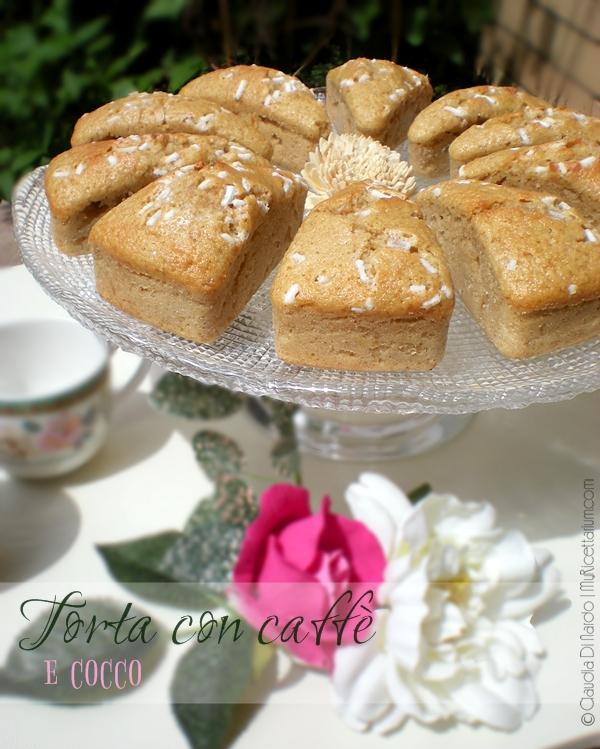 Torta semintegrale con caffè e cocco