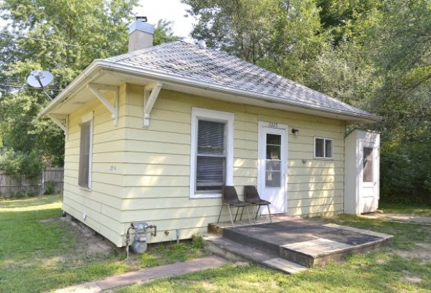 Lloyd s blog tiny homes in sioux city iowa for Home builders in iowa