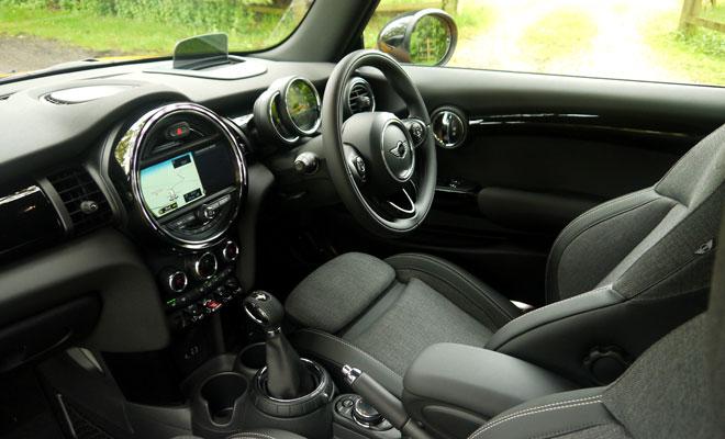 F56 Mini Cooper interior