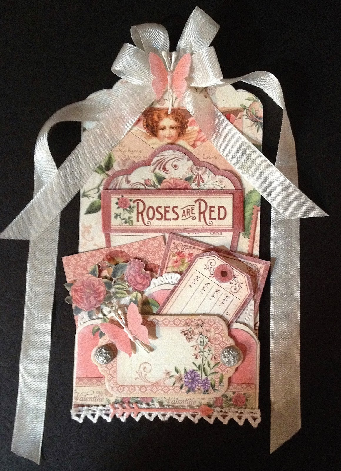 annes papercreations: How to make tag pockets on and for tags