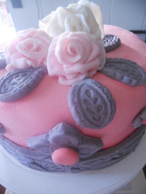 imitando una torta shabby chic..per la passata sfida loison
