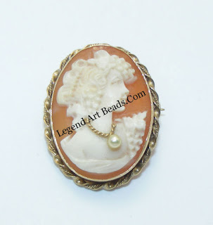 cameo-habille-brooch
