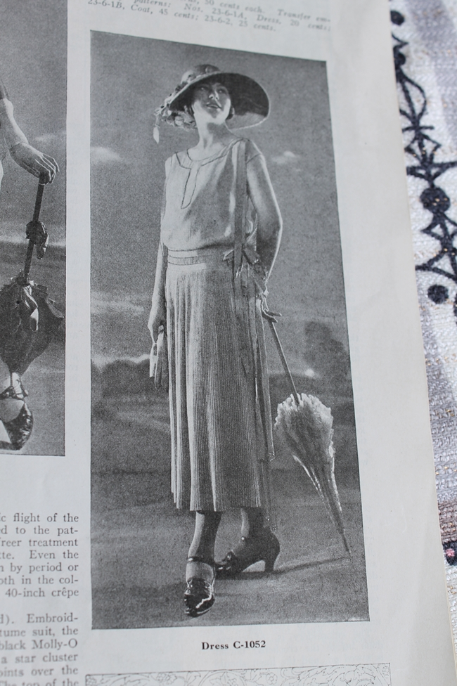 1923 knitted dress