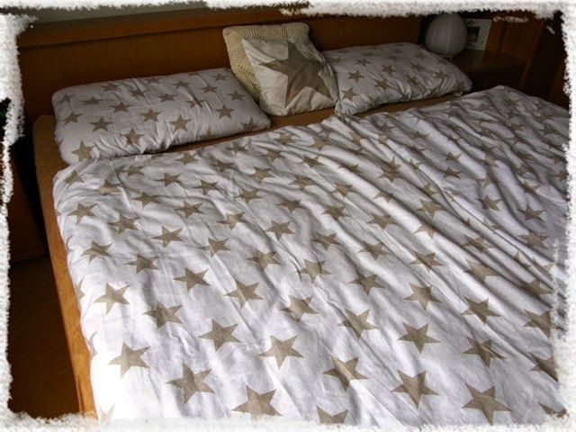 wood bed stars