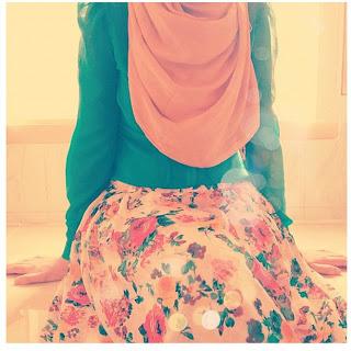 Hijab Fashion Style dengan Motif Bunga