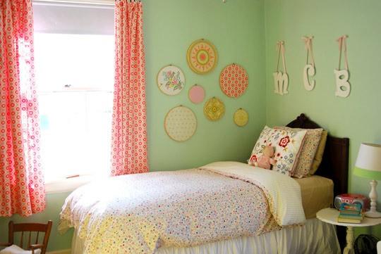 du vert pour la chambre de b b. Black Bedroom Furniture Sets. Home Design Ideas