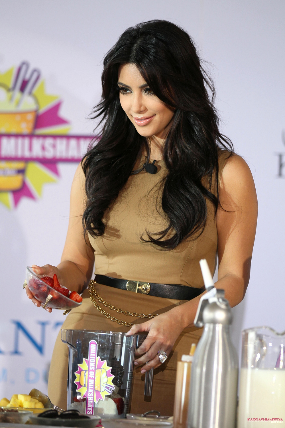 Kim Kardashian Hair Color 05