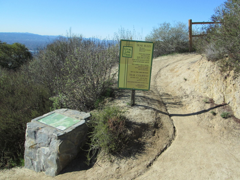Dan's Hiking Blog: Verdugo Peak Hike - December 20, 2012