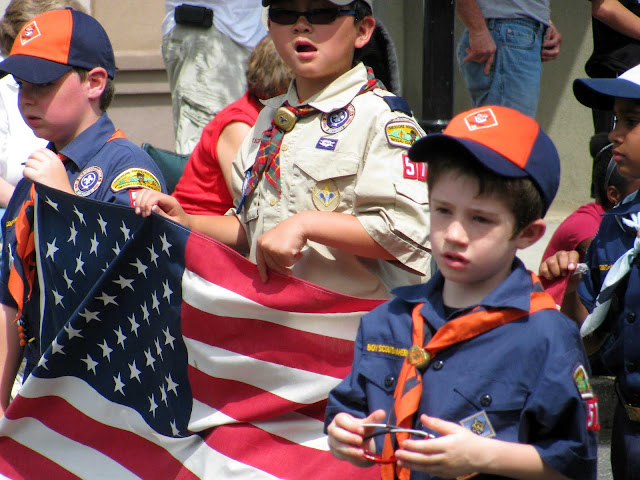 Boy-Scouts-at-the-Farmingdale-Memorial-Day-Parade-2011
